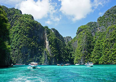 Boat trip to Phi Phi Islands