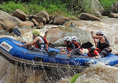 Rafting in Pai River