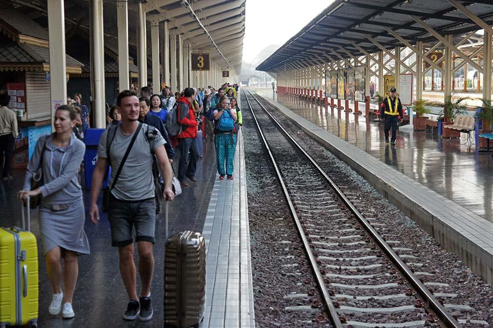 Night Train from Bangkok to Chiang Mai