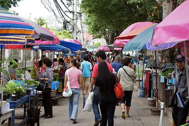 market in koh kred island