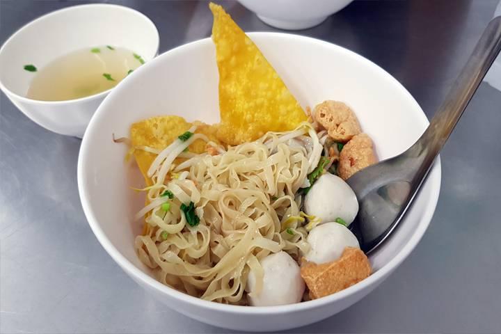 Kuai Tiao Soup