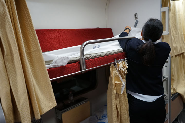 Making the bed in the train
