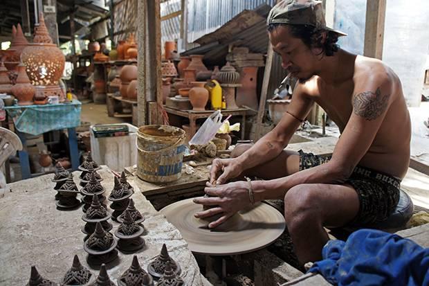 koh kred pottery