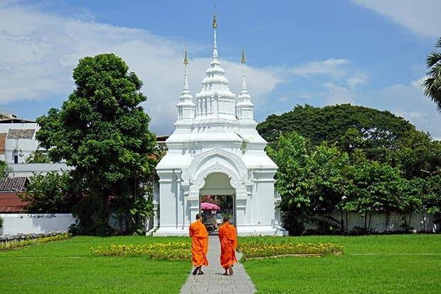 thailand temple manners
