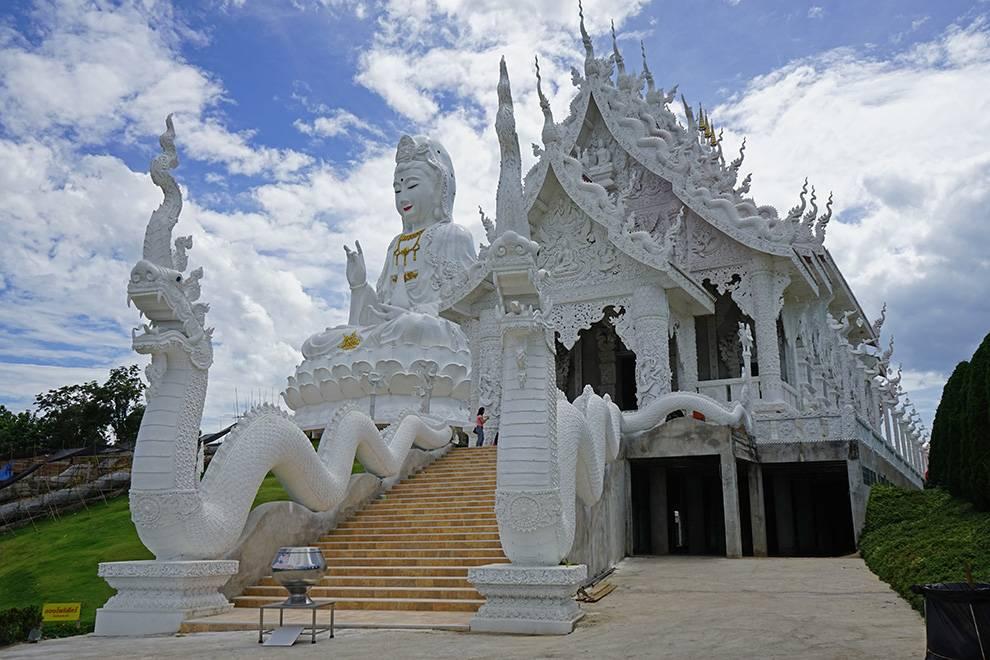 wat huai pla kung temple