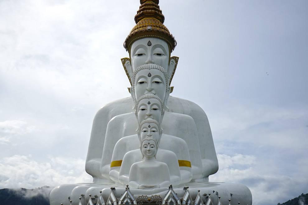 Wat Pha Sorn Kaew 2