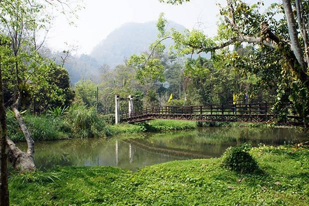 tham pla national park thailand
