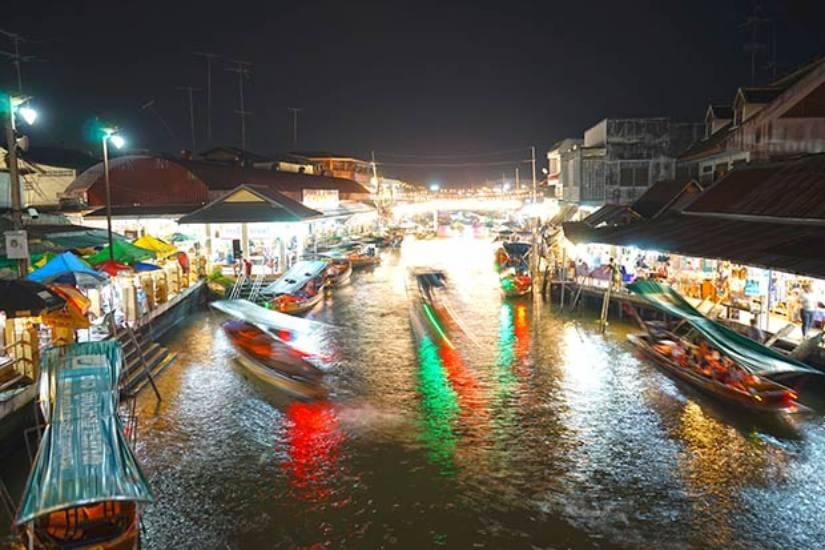 amphawa market at night