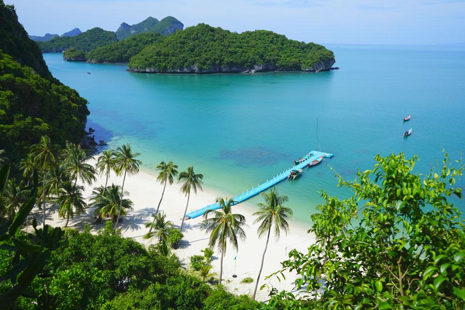 Beach in Ang Thong