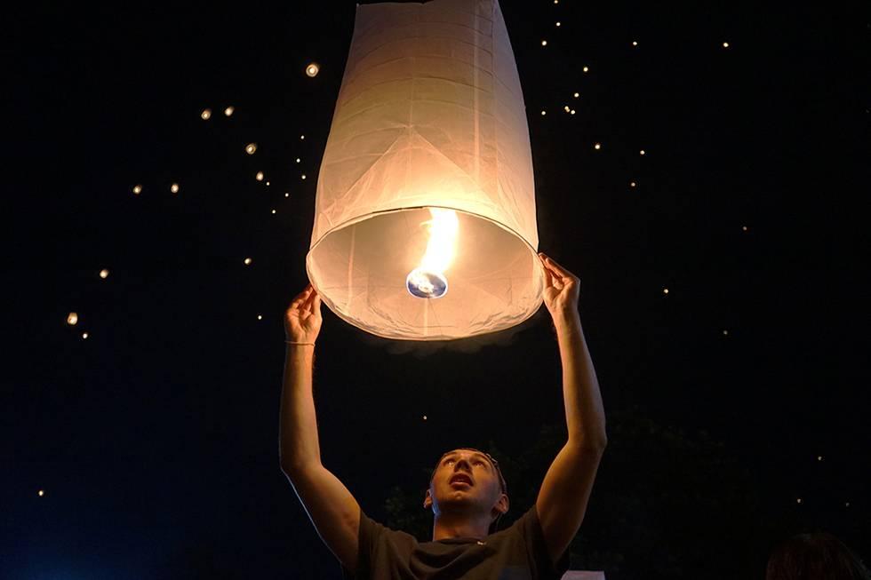 yee peng chiang mai festival