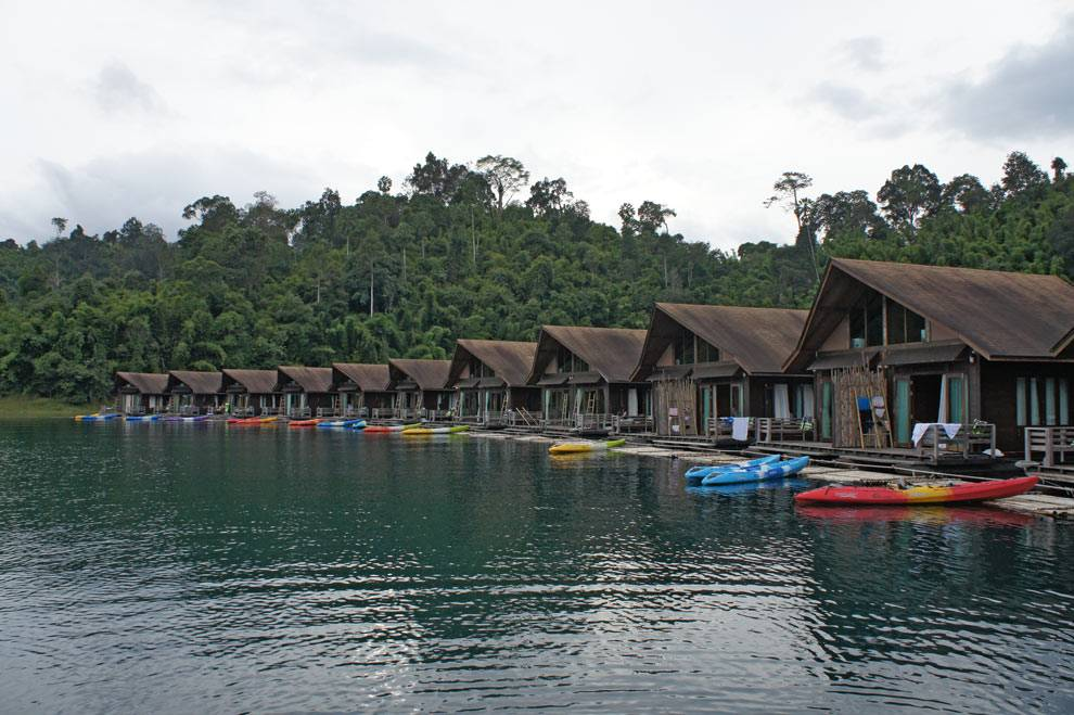 cheow lan lake khao sok