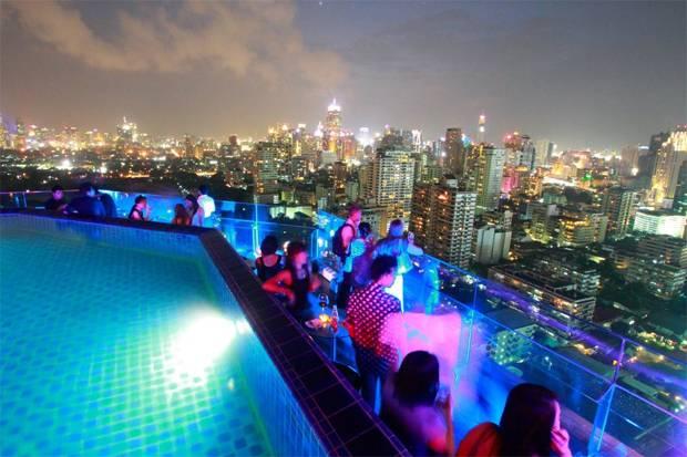 longtable rooftop bar bangkok