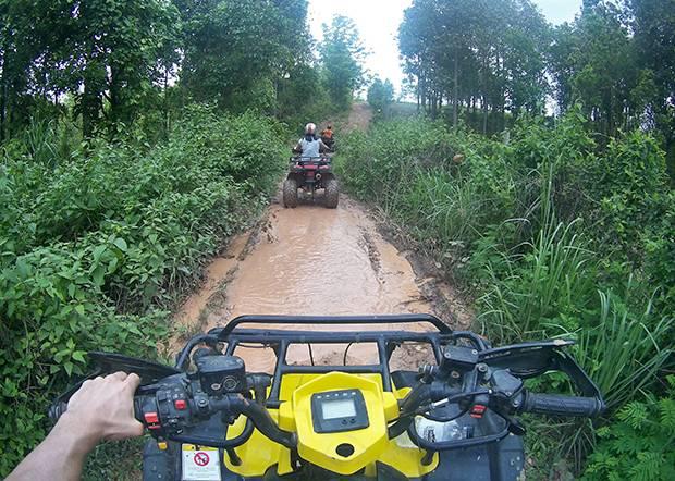 riding quads near chiang mai