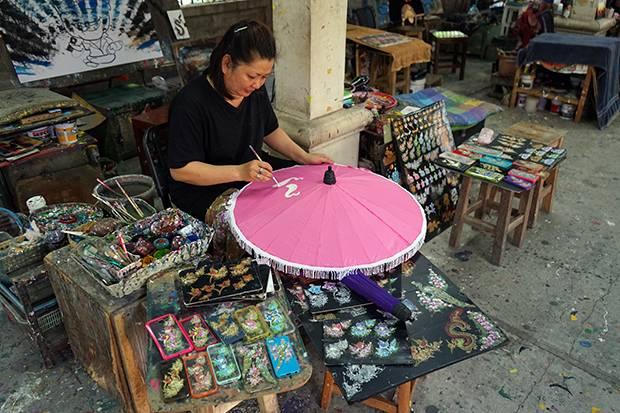 umbrella painter artisan