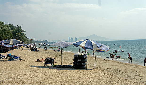bang saen beach