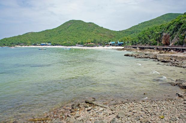 rocky beach koh larn