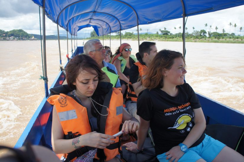 mekong boat tour golden triangle