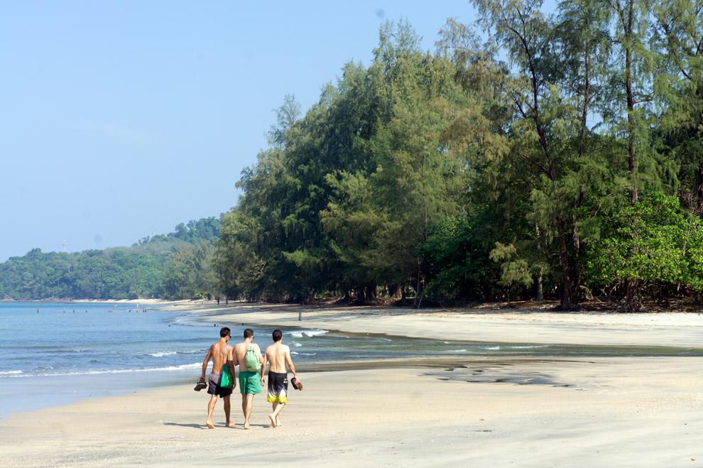 Beach in Koh Chang Noi